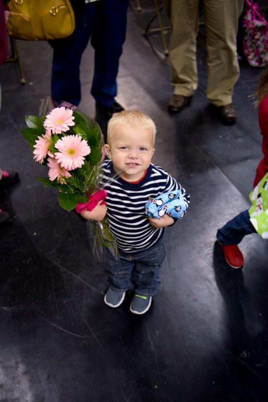 Luke holding Brooke's flowers!